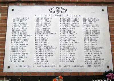 Algyő II. világháborús emléktábla a Szent-Anna templom falán 2014.09.20. küldő-Emese (4)