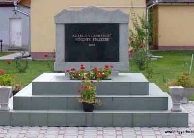 Alibánfa világháborús emlékmű 2007.08.15. küldő-Hunmi (1)