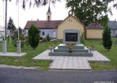 Alibánfa világháborús emlékmű 2007.08.15. küldő-Hunmi
