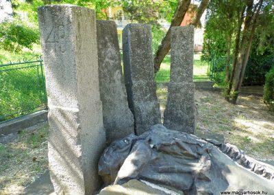 Alistál világháborús emlékmű 2014.06.18. küldő-Méri (3)