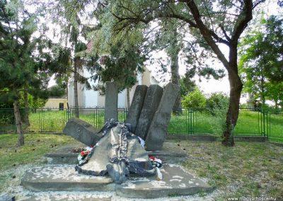 Alistál világháborús emlékmű 2014.06.18. küldő-Méri