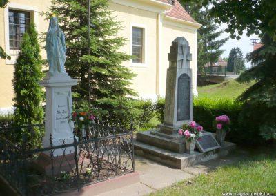 Alsóújlak világháborús emlékmű 2012.05.24. küldő-Sümec (14)
