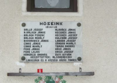Alsóberecki világháborús emléktáblák 2009.12.27. küldő-Ágca (1)