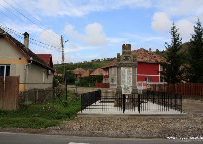 Alsóboldogfalva felújított I. világháborús emlékmű 2014.08.22. küldő-Pálffy Tamás Szabolcs