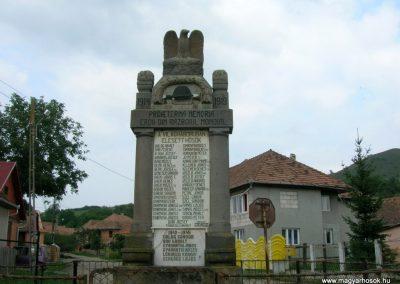 Alsóboldogfalva világháborús emlékmű 2009.08.06. küldő-Tamás2
