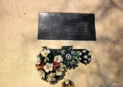 Alsógagy világháborús emléktábla 2014.02.16. küldő-kalyhas (2)