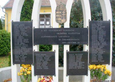 Alsónemesapáti világháborús emlékmű 2013.11.02. küldő-HunMi (1)