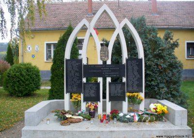 Alsónemesapáti világháborús emlékmű 2013.11.02. küldő-HunMi