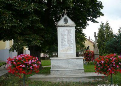 Alsópáhok II.vh emlékmű 2009.07.01.küldő-Sümec (1)
