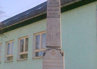 Alsószölnök I.vh emlékmű 2011.04.10. küldő-Csiszár Lehel (4)