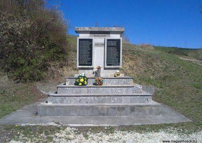 Alsószuha II.világháborús emlékmű 2012.04.09. küldő-Pataki Tamás