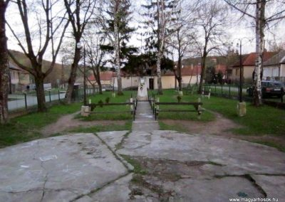 Alsótelekes II. világháborús emlékmű 2013.04.21. küldő-kalyhas