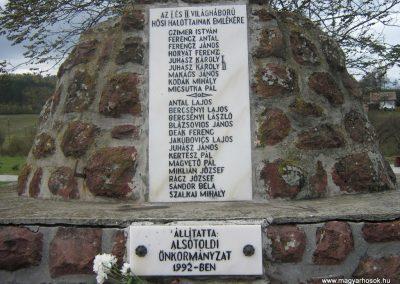 Alsótold világháborús emlékmű 2007.10.22. küldő-Mónika39 (3)