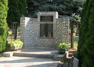 Alsózsolca köztemető II. világháborús emlékmű 2015.08.09. küldő-Emese (6)