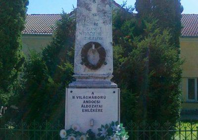 Andocs világháborús emlékmű 2010.08.26. küldő-Csiszár Lehel