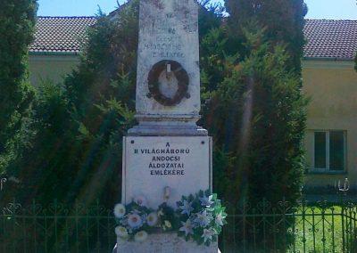 Andocs világháborús emlékmű 2010.08.26. küldő-Csiszár Lehel (9)