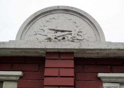 Apagy világháborús emlékmű 2013.05.23. küldő-kalyhas (4)
