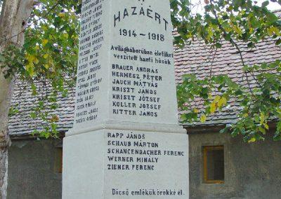 Aparhant világháborús emlékmű 2003.10.12. küldő-Pfaff László, Rétság (1)