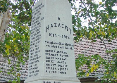 Aparhant világháborús emlékmű 2003.10.12. küldő-Pfaff László, Rétság (2)