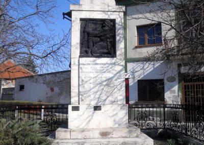Apostag I.vh emlékmű 2012.03.17. küldő-baloghzoli