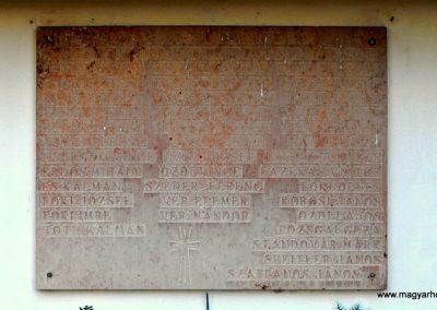 Aranyosgadány világháborús emléktábla 2012.07.31. küldő-KRySZ (3)