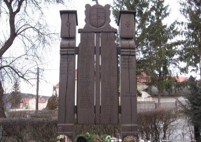 Arló világháborús emlékmű 2008.01.27.küldő-Kályhás (1)