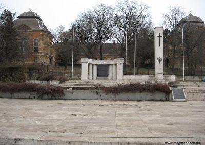 Aszód világháborús emlékmű 2009.02.10. küldő-kalyhas