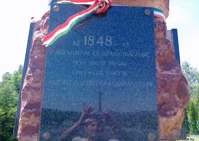 Aszófő hősi emlékmű 2010.07.08. küldő-Csiszár Lehel (2)