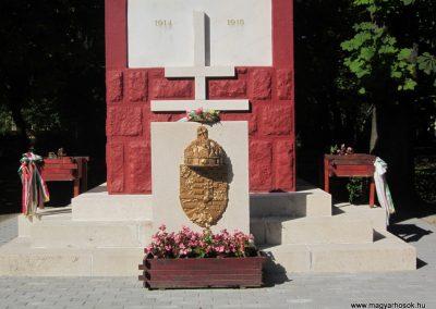 Bácsalmás I.vh emlékmű 2011.08.17. küldő-kalyhas (4)