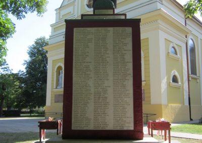 Bácsalmás I.vh emlékmű 2011.08.17. küldő-kalyhas (8)