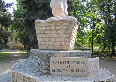 Bácsalmás II.vh emlékmű 2011.08.17. küldő-kalyhas (3)
