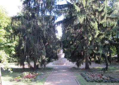 Bácsalmás II.vh emlékmű 2011.08.17. küldő-kalyhas