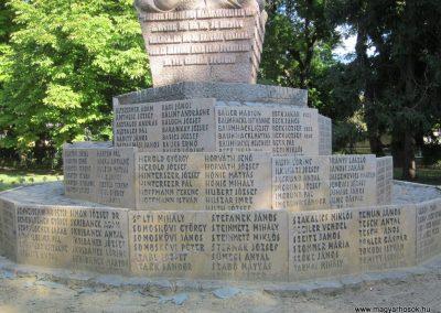 Bácsalmás II.vh emlékmű 2011.08.17. küldő-kalyhas (5)