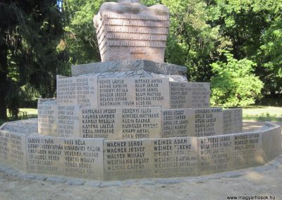 Bácsalmás II.vh emlékmű 2011.08.17. küldő-kalyhas (6)