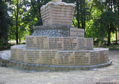Bácsalmás II.vh emlékmű 2011.08.17. küldő-kalyhas (8)