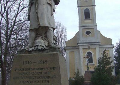 Bácsborsód világháborús emlékmű 2007.12.08. küldő-Markó Péter (1)