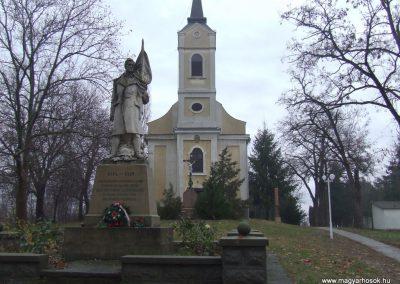 Bácsborsód világháborús emlékmű 2007.12.08. küldő-Markó Péter