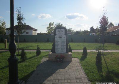 Bácsszőlős I.vh emlékmű 2011.08.17. küldő-kalyhas (1)