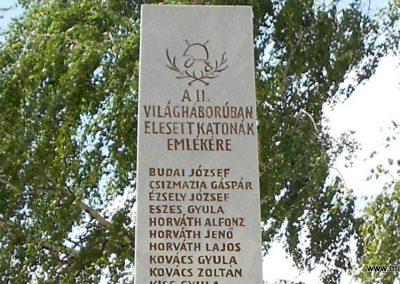 Bágyogszovát II. világháborús emlékmű 2012.08.26. küldő-Baloghzoli (2)