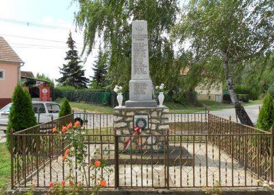 Bágyogszovát II. világháborús emlékmű 2012.08.26. küldő-Baloghzoli