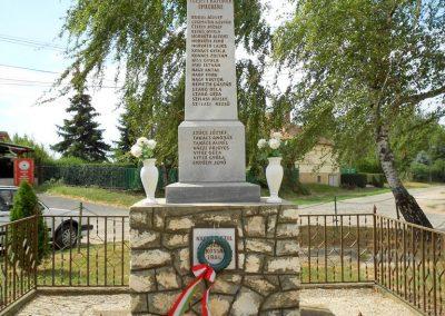 Bágyogszovát II. világháborús emlékmű 2012.08.26. küldő-Baloghzoli (5)