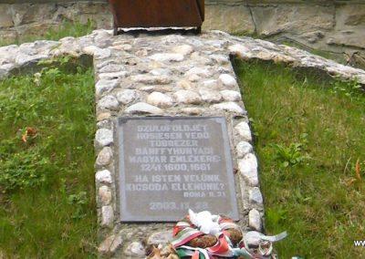 Bánffyhunyad hősi emlékmű 2011.07.04. küldő-Erika67 (3)