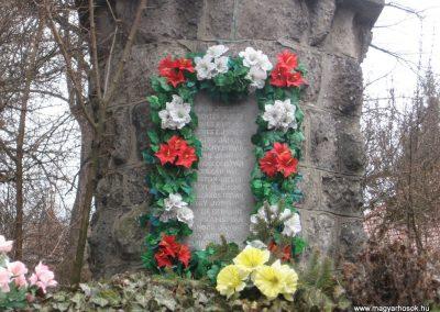 Bánhorváti világháborús emlékmű 2008.03.02.küldő-Kályhás (1)