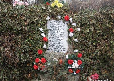 Bánhorváti világháborús emlékmű 2008.03.02.küldő-Kályhás (2)