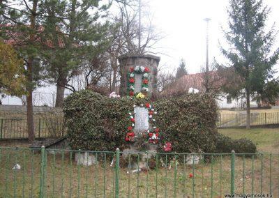 Bánhorváti világháborús emlékmű 2008.03.02.küldő-Kályhás