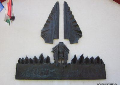 Bánk hősök tere világháborús emlék 2011.08.15. küldő-kalyhas (2)