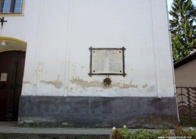 Bánk világháborús emléktáblák 2011.08.15. küldő-kalyhas (1)