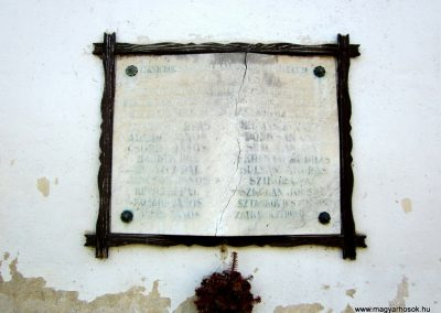 Bánk világháborús emléktáblák 2011.08.15. küldő-kalyhas (2)