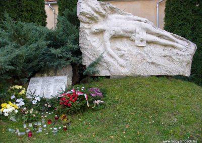 Bánokszengyörgy világháborús emlékmű 2007.11.03.küldő-HunMi