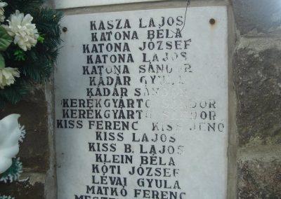 Báránd világháborús emlékmű 2009.05.16. küldő-Huszár Peti (3)